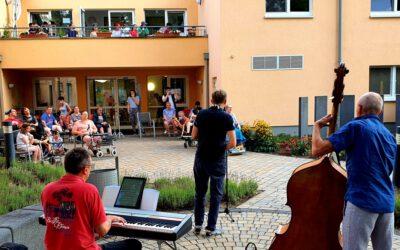 Obertshausen – Rhythmisches Klatschen in der Adenauerstrasse